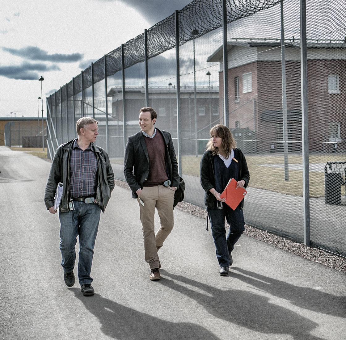 Lärare innanför murarna: Björn Jonsson, Christian Johansson och Annica Bolin. Foto: Magnus Fond