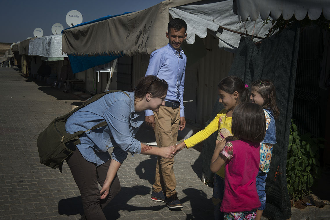 Lina Malers i lägret på den turkisk-syriska gränsen. Foto: Elisabeth Ubbe