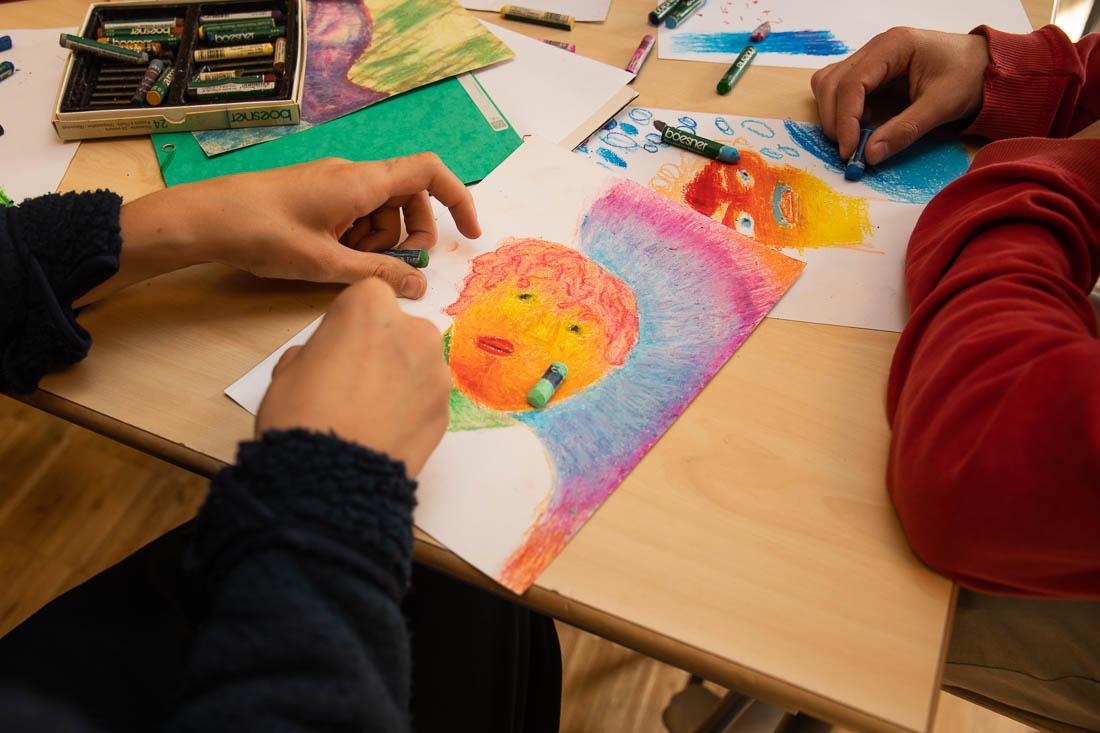 Många estetlärare tycker inte att de har tillräckligt med läromedel.