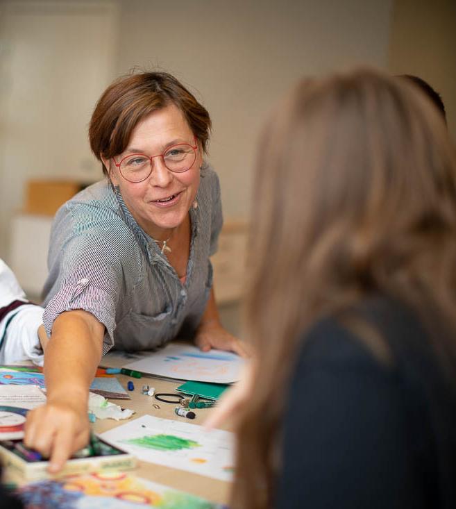 """""""Ska man våga prata om bilder måste man vara trygg"""", säger Lena Landström."""