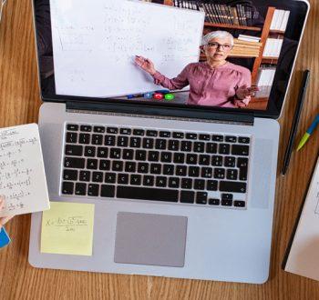 distansundervisning_skrivbord