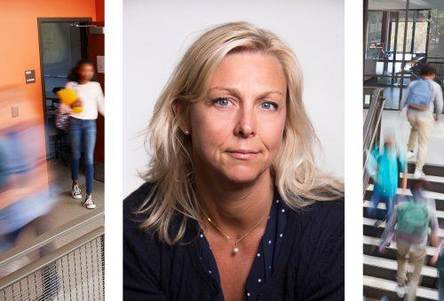 Sara Svanlund, andre vice ordförande för Lärarnas Riksförbund och elever som rör sig i korridor i skola.
